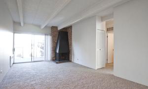 515 Clarkson apartments for rent at AptAmigo
