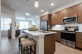 Luxe at Mile High apartments for rent at AptAmigo
