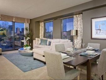 The Manhattan Tower and Lofts apartments for rent at AptAmigo