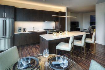 2950 North Sheridan apartments for rent at AptAmigo