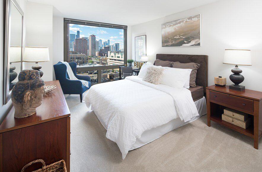 Best apartment rental service in Chicago - Elm Street Plaza