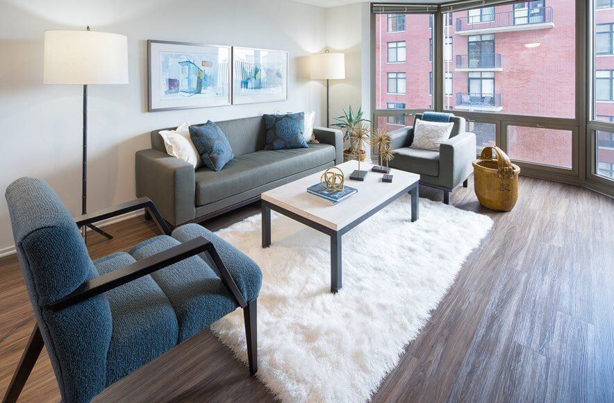Best apartment search site in Chicago - Elm Street Plaza