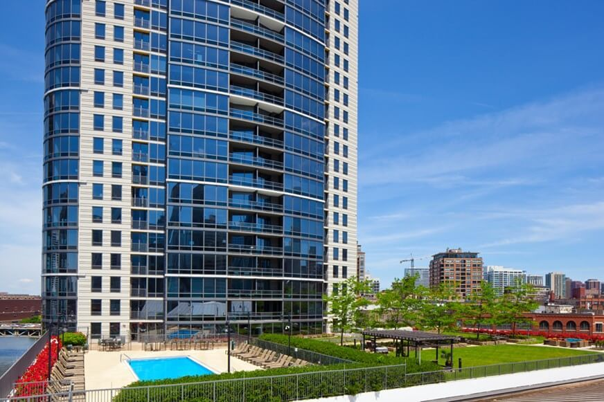 Best apartment search website in Chicago - Kingsbury Plaza