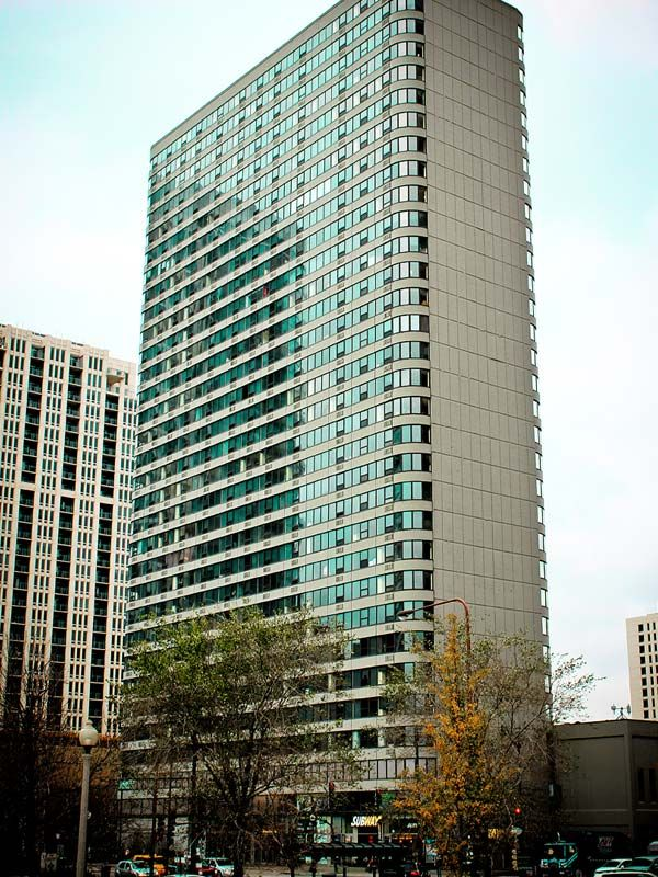 Best apartment search website in Chicago - Park Michigan