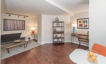 Reside on Wellington apartments for rent at AptAmigo