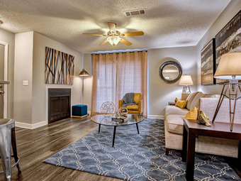 Bellevue West apartments for rent at AptAmigo