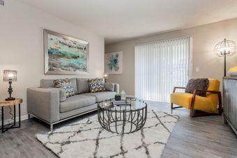 Hickory Creek Apartments & Townhomes apartments for rent at AptAmigo