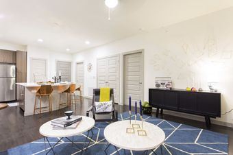 Lamar Union apartments for rent at AptAmigo