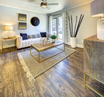Retreat at Barton Creek apartments for rent at AptAmigo