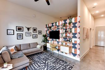 St Johns West apartments for rent at AptAmigo